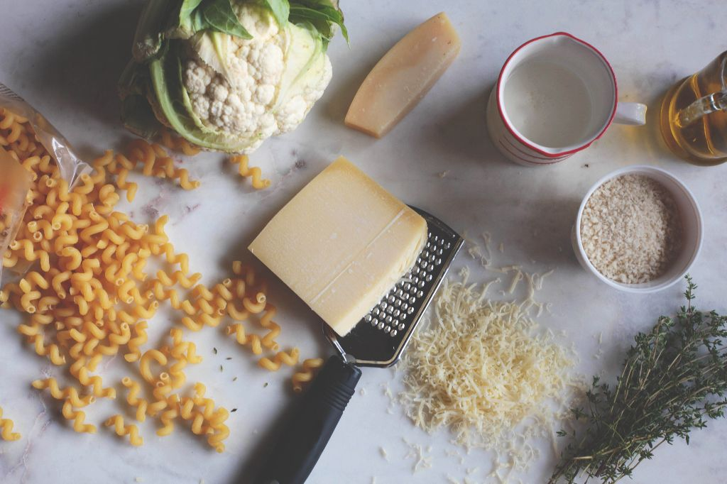 Roasted Cauliflower Macaroni and Cheese - Tastemaker Blog