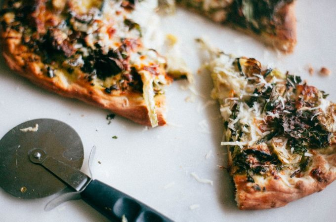 Green Pizza with Kale Pesto - Tastemaker Blog