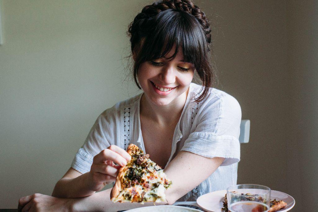 Green Pizza with Kale Pesto - Tastemaker Blog