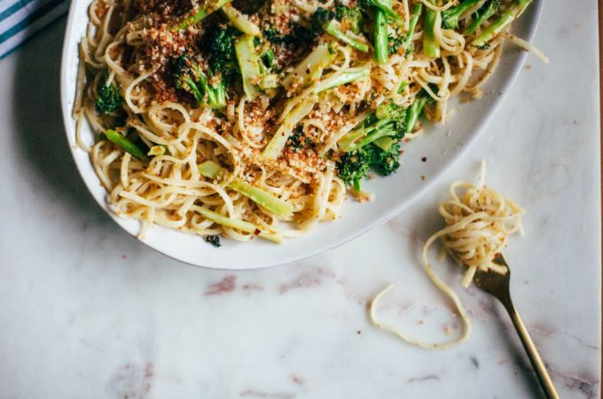 Linguine with Toasted Breadcrumbs and Crispy Broccoli - Tastemaker Blog