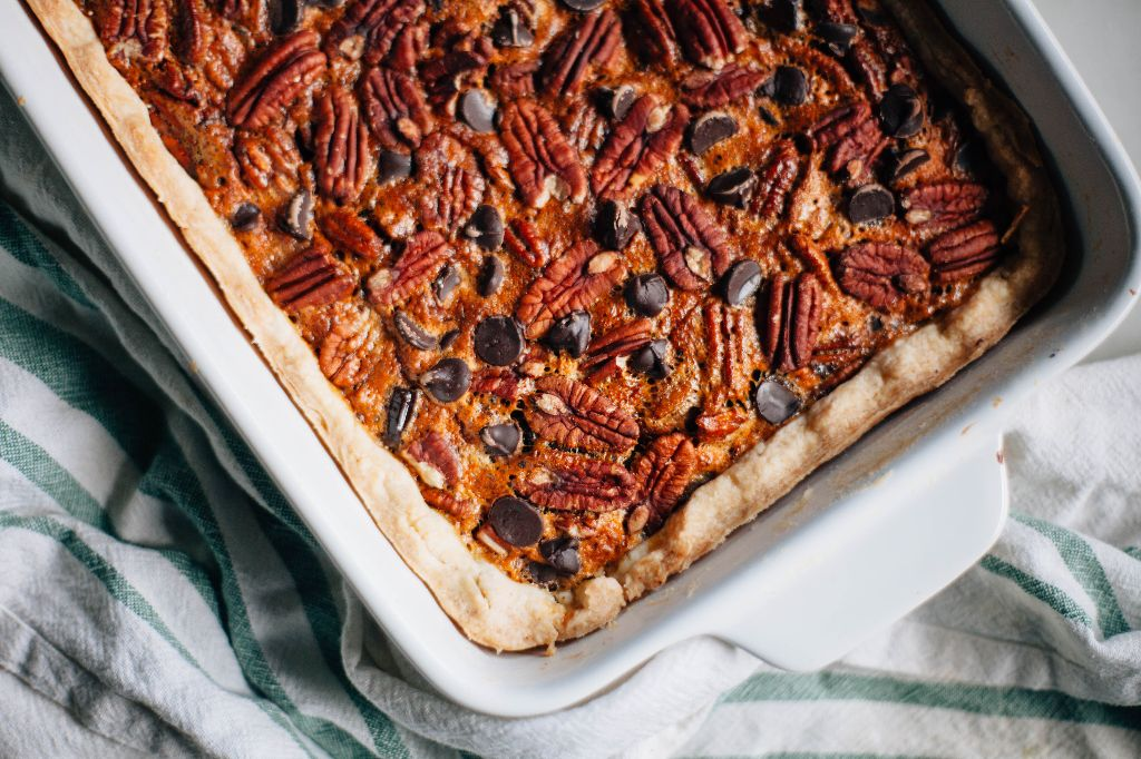 Dark Chocolate Pecan Pie Bars - Tastemaker Blog