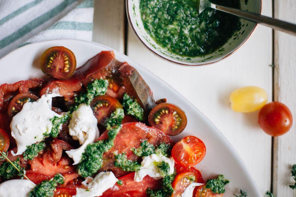 Heirloom Tomato Salad with Burrata and Herb Pesto - Tastemaker Blog