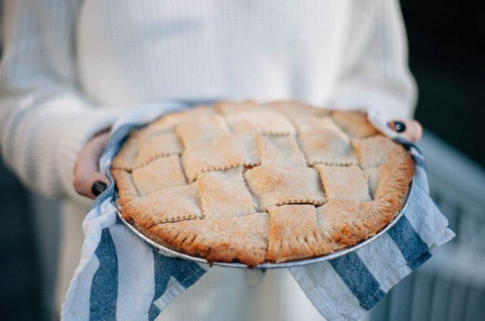 Double Crust Apple Pie - Tastemaker Blog