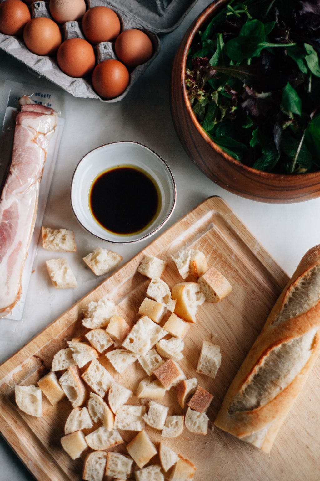 Breakfast Salad with Bacon and Eggs - Tastemaker Blog