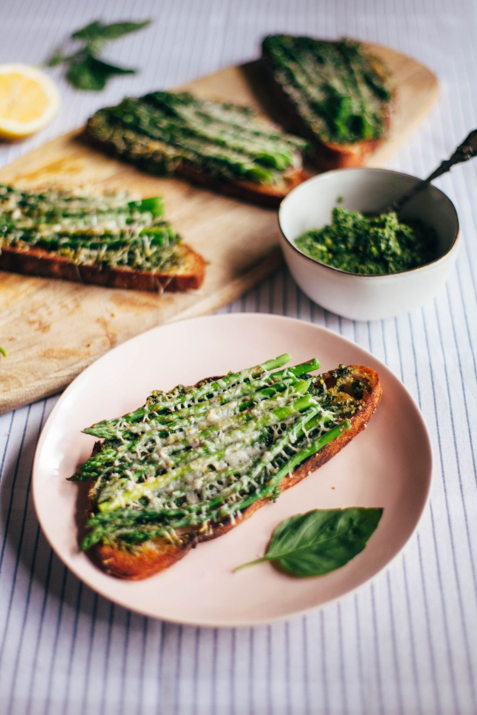 Asparagus Tartine with Kale Walnut Pesto - Tastemaker Blog