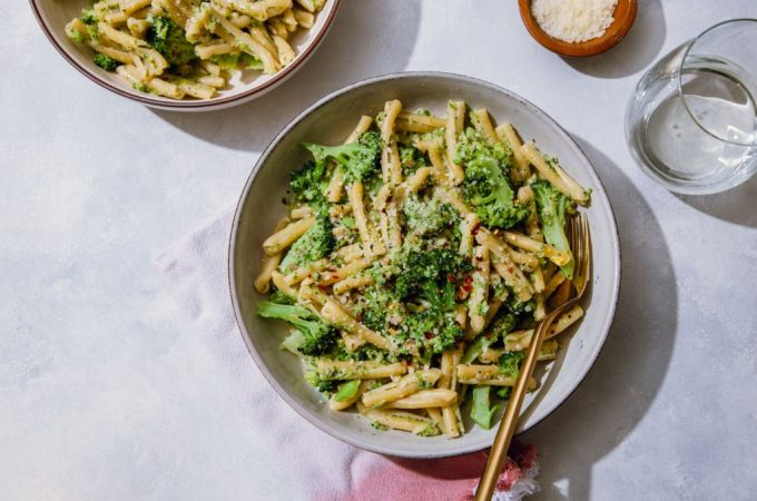 Broccoli Sunflower Pesto Pasta - Tastemaker Blog