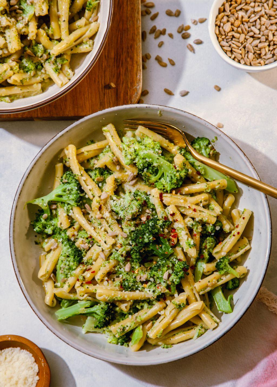 Broccoli Sunflower Pesto Pasta - Tastemaker Blog